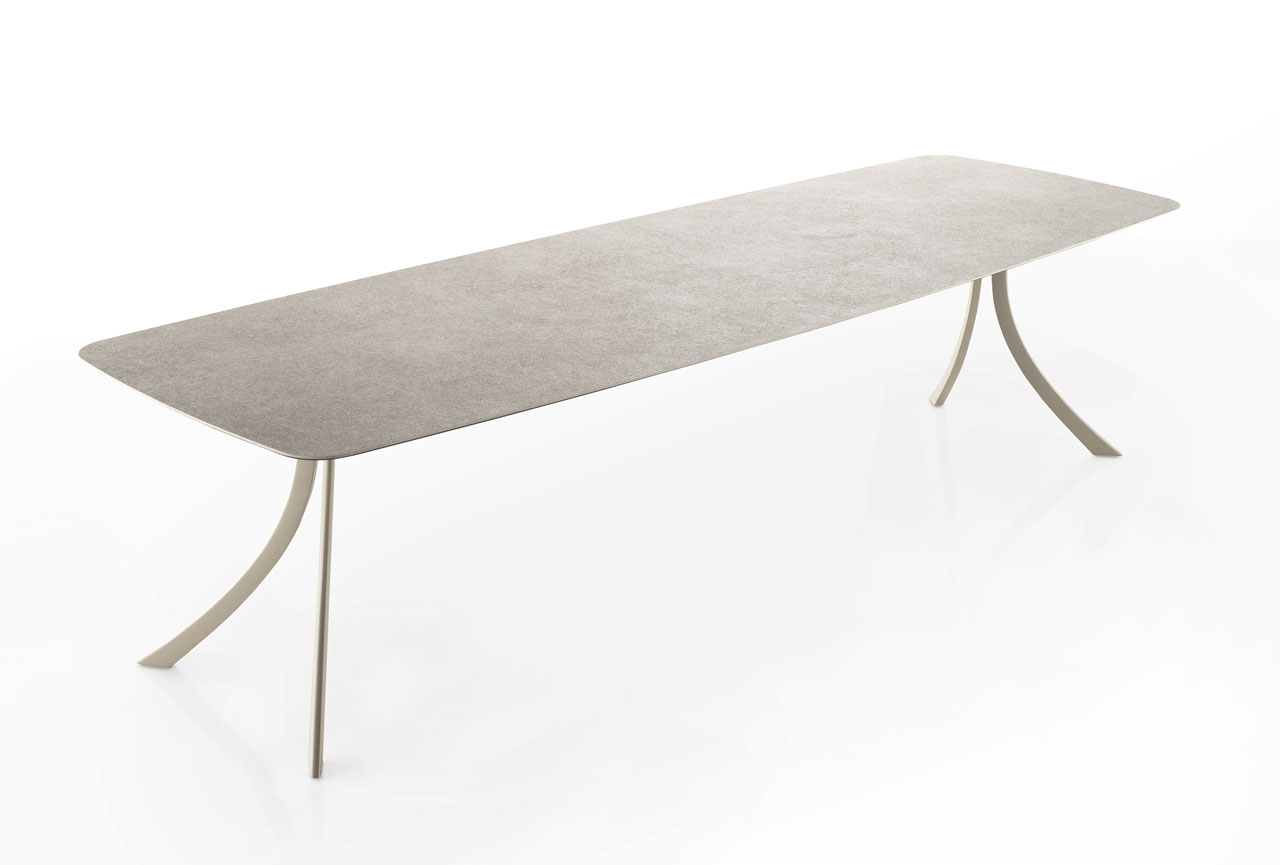 dissenycv.es-expormim-Falcata-dining-table-by-Lievore-Altherr-Molina-03