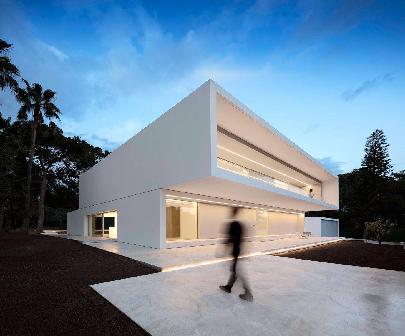 dissenycv-es-fran-silvestre-arquitectos_-house-betwwen-the-pine-forest_-1