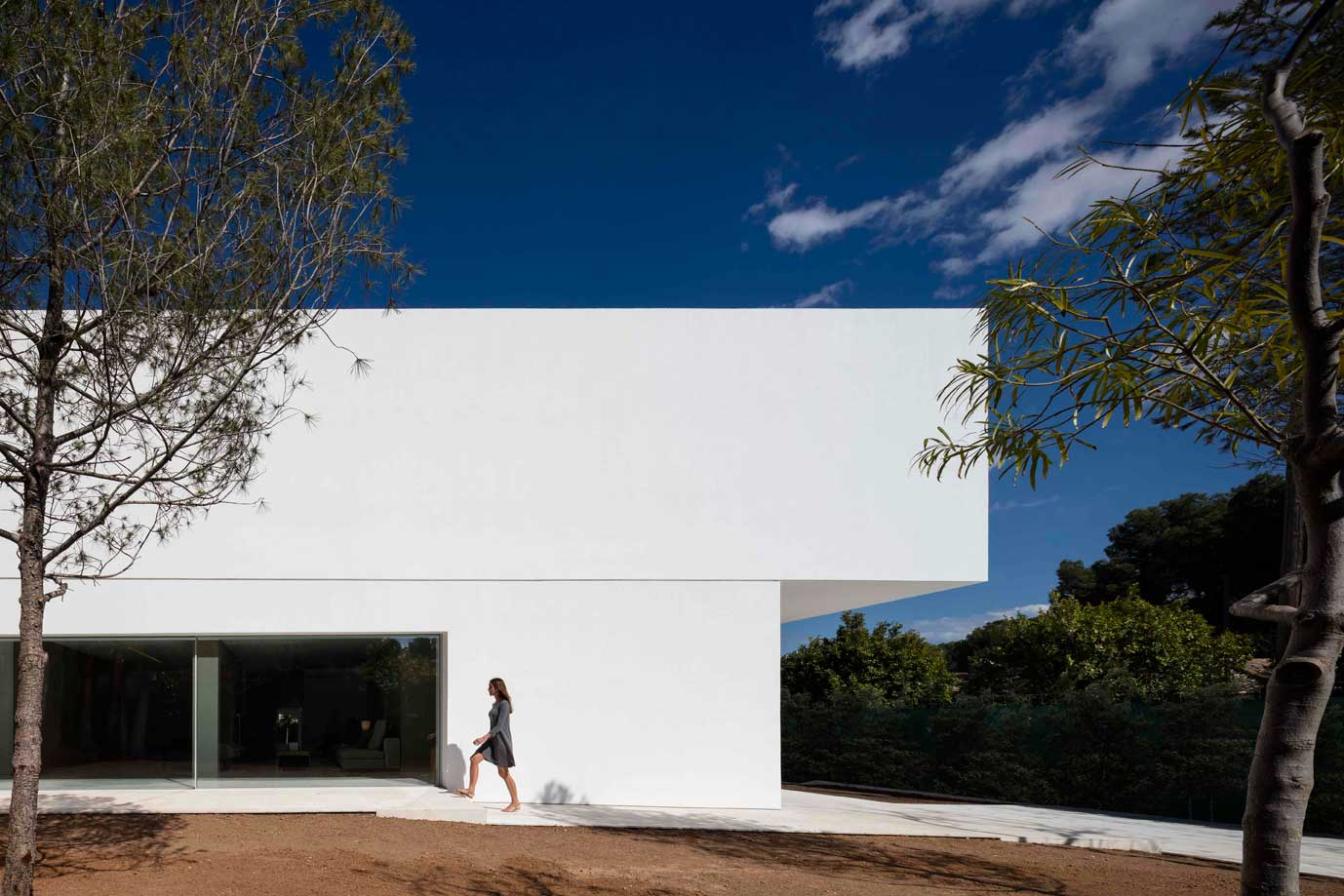 dissenycv-es-fran-silvestre-arquitectos_-house-betwwen-the-pine-forest_-13