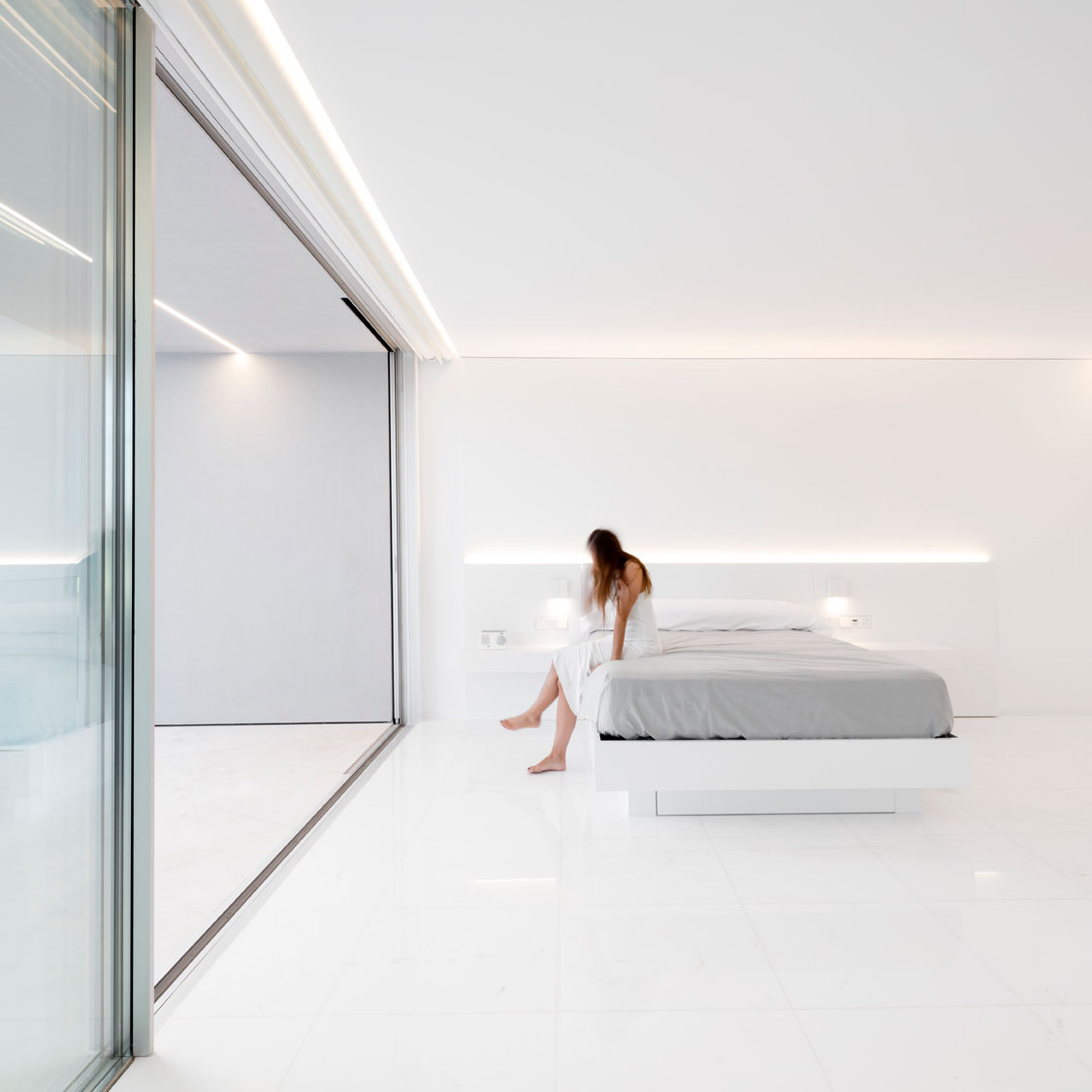 dissenycv-es-fran-silvestre-arquitectos_-house-betwwen-the-pine-forest_-32