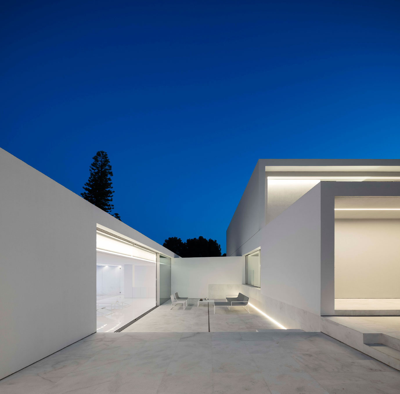 dissenycv-es-fran-silvestre-arquitectos_-house-betwwen-the-pine-forest_-5