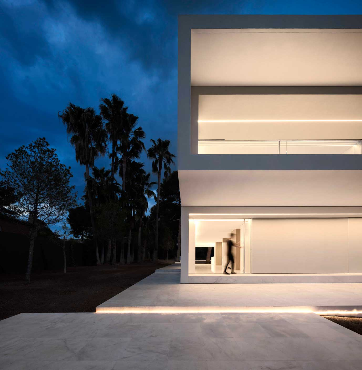 dissenycv-es-fran-silvestre-arquitectos_-house-betwwen-the-pine-forest_-8
